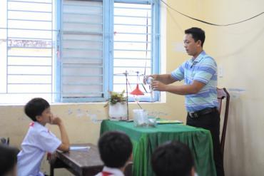 Thầy giáo Khơ-me tìm tòi đổi mới phương pháp dạy học cho trò dân tộc