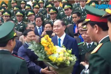 Chủ tịch nước gặp gỡ 60 giáo viên quân hàm xanh